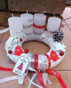 Couronne Diy, Christmas Time, Xmas, Advent, Christmas Stockings, Diy And Crafts, Cheer, Holiday Decor, Flowers