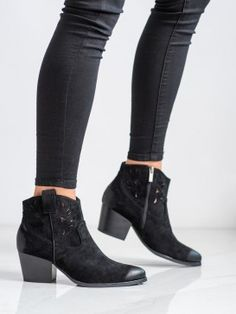 Dierkované kovbojky Booty, Ankle, Spring, Shoes, Fashion, Moda, Swag, Zapatos, Wall Plug