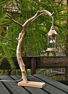 Bring nature into the house: 16 DIY craft ideas with branches -.- Hol Dir die Natur ins Haus: 16 DIY Bastelideen mit Zweigen – DIY Bastelideen (Bo… Bring Nature Into the House: 16 DIY Craft Ideas with Branches – DIY Craft Ideas (Bottle) - Driftwood Lamp, Driftwood Projects, Christmas Wood, Outdoor Christmas, Creation Deco, Wooden Lamp, Bottle Lights, Rustic Outdoor, Outdoor Lighting