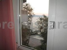 Apartmani Gogo Drašnice Featuring air conditioning, Apartmani Gogo offers accommodation in Drašnice. Medugorje is 46 km from the property. The accommodation features a TV. Some units include a seating area and/or terrace.