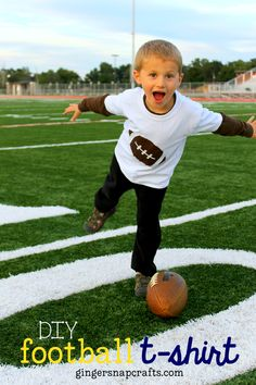 DIY Football T-Shirt {tutorial}