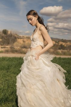 Ramones, One Shoulder Wedding Dress, Boho, Wedding Dresses, Fashion, Different Wedding Dresses, Sleeved Wedding Dresses, Boyfriends, White People