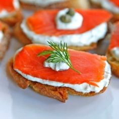 Holiday Appetizers - Useful Articles Caprese Appetizer, Caprese Salad, Appetizer Recipes, Holiday Appetizers, Holiday Recipes, Canapes, Deli, Sprouts, Snacks