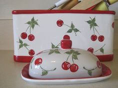 Stepping Forward in my Ruby Red Slippers: Cherries Jubilee Red And White Kitchen, Red Kitchen, Vintage Kitchen, Kitchen Queen, Kitchen Dishes, Country Kitchen, Cherry Kitchen Decor, Kitchen Themes, Kitchen Ideas