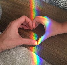 Read Wallpapers from the story Fotos Para Tela Do Seu Celular/ABERTO by Sexytaekookv (𝙶𝙰𝚃𝙸𝙽𝙷𝙰) with reads. Tumblr Gay, Rainbow Light, Over The Rainbow, Cute Relationship Goals, Cute Relationships, Gay Couple, Gay Romance, Gay Aesthetic, Aesthetic Colors