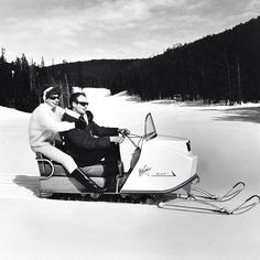Vintage Sled, Snow Machine, Snowmobiles, Snow And Ice, Unique Photo, Outdoor Fun, Skiing, Rv, The Past