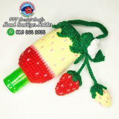 Crochet strawberry hand sanitizer holder Bottle Cap Art, Bottle Cover, Crochet Pencil Case, Crochet Stitches, Crochet Patterns, Crochet Strawberry, Hand Embroidery Dress, Hand Sanitizer Holder, Crochet Cozy