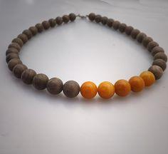 Mustard yellow brown asymmetric necklace brown veined door deBATjes