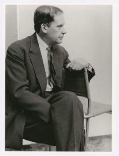 "Lucia Moholy, Portrait Walter Gropius, ""sitzend, profil"", 1927"