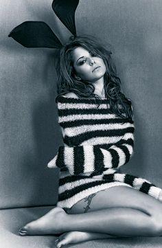 Cheryl Ann Fernandez-Versini mejor conocida como Cheryl o Cheryl Cole, es una cantante inglesa componente del exitoso grupo británico Girls Aloud.