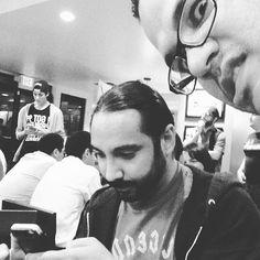 .@legendariodrak ponte a cubrir el evento y deja de estar texteando!! @infogamers_es #gaming