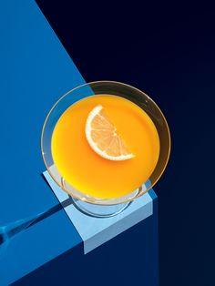 Màu sắc dựa theo bảng màu của Cheese Coffee Màu xanh của logo Cheese coffee kết hợp với màu vàng và màu nâu tạo độ tương phản tốt và hài hoà với hình ảnh. Làm nổi bật tone màu sáng, vàng, cam.