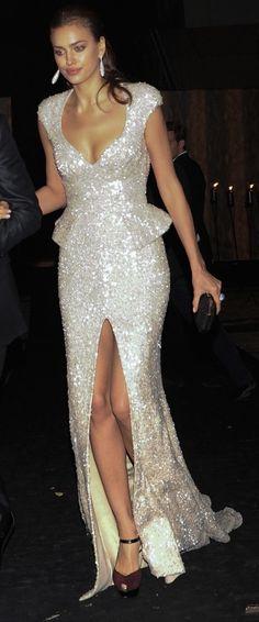 Fashion model, Irena Shayk. Gorgeous gown!