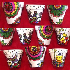 Gardening – Gardening Ideas, Tips & Techniques Painted Clay Pots, Painted Flower Pots, Hand Painted Ceramics, Pottery Painting, Ceramic Painting, Ceramic Art, Flower Pot Art, Flower Pot Design, Clay Pot Crafts