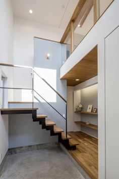 Healthy living at home devero login account access account Interior Stairs, Interior Architecture, Interior Design, Small Tiny House, Timber Structure, House Stairs, House Entrance, Vintage Design, Home And Deco