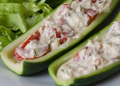Courgettes farcies froides au thon WW, recette d'une délicieuse entréefroide à base de courgettes de thon de tomates et de mayonnaise, facile à préparer.