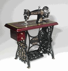Working sewing machine, amazing considering that it's 3 inches tall!