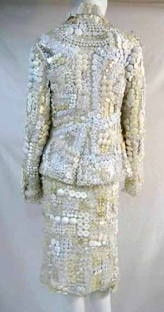 ButtonArtMuseum.com - the creator's atelier of this terrific piece, fashion designer and artisan Morinaga Kunihiko