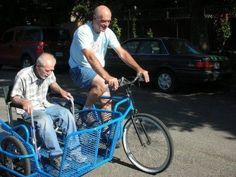 wheelchair accessible side car for a bicycle Bicycle Sidecar, Velo Design, Velo Cargo, Side Car, Bike Trailer, Engin, Pedal Cars, Bicycle Accessories, Bike Life