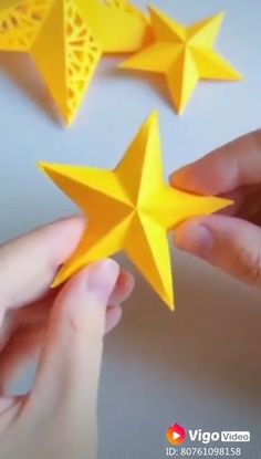 Diy paper star craft - New Site Easy Origami Star, Instruções Origami, Paper Crafts Origami, Diy Paper, Sticky Note Origami, Oragami Star, Sticky Note Crafts, Easy Origami For Kids, Origami Videos