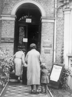 Stock Photo - The work of the Citizens' Advice Bureau, Eldon House, Croydon, England, 1940 Two women and their children arrive at the Citizens' Advice Bureau to ask about increased Croydon, Social Services, World War Two, Citizen, The Past, England, Advice, Stock Photos, History