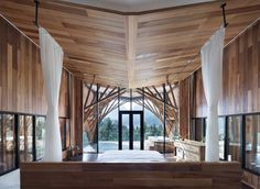 <p>This gorgeous treehouse is located within a woodland resort, elevated high amid the treetops canopies of Mount Qiyun, China. The project comes from Cambridge graduates, Andong Lu and Pingping Dou o