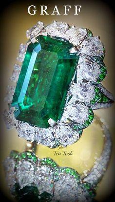 Graff Emerald Cut, Colombian Emerald (11.76 carat Emerald) & diamonds (6.65 carats)Ring