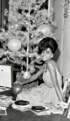 Japanese pop culture, monster movies, music, sports, and anything else. As much as possible I will try to upload original scans. Lps, Christmas Playlist, Tamla Motown, Vintage Vinyl Records, Northern Soul, Diana Ross, Soul Music, Vintage Hollywood, Christmas Pictures