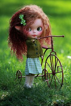 I love this little Blythe...such a beautiful customisation job.