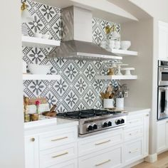Black and white kitchen tile backsplash Deco Design, Küchen Design, House Design, Interior Design, Design Ideas, Design Inspiration, Design Shop, Cuisines Design, Kitchen Backsplash