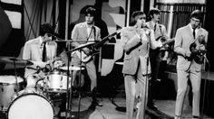 """The Yardbirds Perform """"For Your Love"""" Live In '65, And Jeff Beck Is Unrecognizable"""