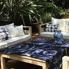 Shibori by Imperfectomr, Bahía Blanca, Buenos Aires: Ambientando el jardín | Shibori pillow covers, table runners, etc.