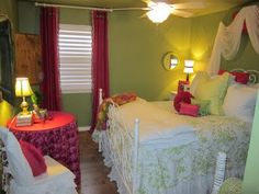 girly guest room