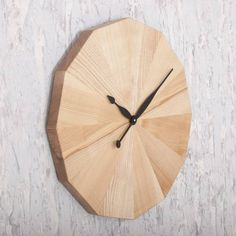 """Купить Настенные часы из дерева """"Chamomile"""" ручной работы ☝ в интернет-магазине ★ Domik.shop ☑, цены по Днепру и Украине, большой выбор ❢ эксклюзивных товаров из дерева"""