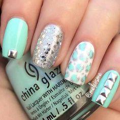 China Glaze #MintGreen Nails via #melcisme #nailart