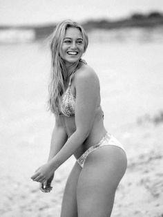 Rejeitada pela Victoria's Secret,modelo faz sucesso com fotos de lingerie sem filtro nas redes sociais