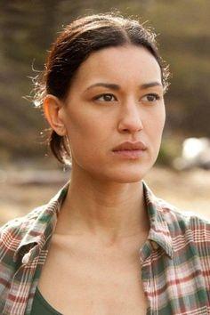 Quileute tribe Leah Clearwater -Julia Jones-: