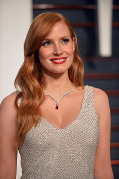 At Vanity Fair'sOscars 2015 Party: Jessica Chastain, put on a new dress for the party, but maintained her relaxed beauty look.  (Photo: Axel Koester for The New York Times)
