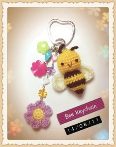 INSPIRATION: Crocheted Bee Keychain