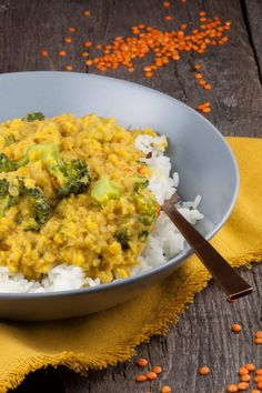 A vegetarian red lentils and broccoli curry with a bit of spiciness. Broccoli Indian Recipes, Veg Recipes, Curry Recipes, Indian Food Recipes, Vegetarian Recipes, Healthy Recipes, Ethnic Recipes, Savoury Recipes, Healthy Food