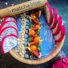 We love desserts, but try to eat healthy. Blue matcha smoothie bowl topped with variety of fruits is a great alternative to treat you!! :)