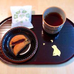 京都のお土産、阿闍梨餅。