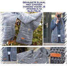 Gehaakte sjaal met grote zakken. Haaknaald nr. 10. 24 lossen haken en dan alleen maar stokjes haken. Losse zakken haken: 18 lossen haken en dan weer alleen maar stokjes haken. Zakken er op naaien met de hand. Leuke label en knopen erop naaien en klaar! Leuk werk en snel klaar.