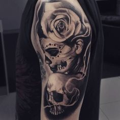 ▷ 1001 + ideas and pictures about La Catrina Tattoo- ▷ 1001 + Ideen und Bilder zum Thema La Catrina Tattoo skull tattoo with a white skull, a large red rose and a young deceased woman – la catrina tattoo - La Muerte Tattoo, Catrina Tattoo, Day Of The Dead Tattoo Sleeve, Leg Sleeve Tattoo, Day Of The Dead Girl Tattoo, Neue Tattoos, Body Art Tattoos, Girl Tattoos, Skull Girl Tattoo