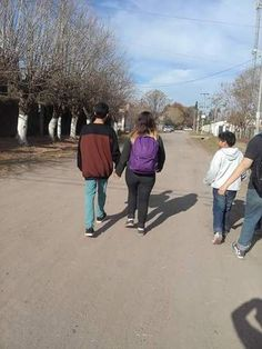 "Pueblo+de+Uribelarrea,año+2016...La+familia+de+Huellas+Pampas+:+Volvio+la+familia+mas+divertida+de+la+web!+Buscanos+en+google+""familia+Huellas+Pampas""+|+huellaspampas0"
