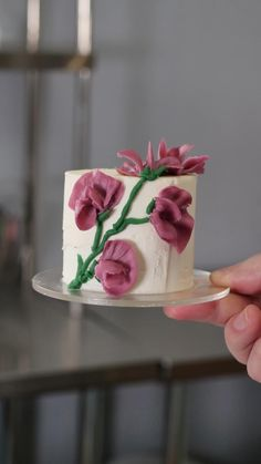 Cake Decorating Frosting, Creative Cake Decorating, Cake Decorating Designs, Cake Decorating Techniques, Cake Decorating Tutorials, Creative Cakes, Cake Designs, Cookie Decorating, Mini Cakes