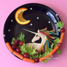 Many children don't want to try the fruits and veggies we put in front of them at the table. So, making it a fun, nonthreatening experience for them is a must. Cute Fruit, Cute Food, I Love Food, Good Food, Yummy Food, Unicorn Foods, Healthy Eating For Kids, Eat Healthy, Food Crafts
