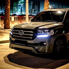 At home in the city just as much as at the beach. Your Toyota Landcruiser won't let you down on a Friday night. Toyota Lc200, Toyota Trucks, Toyota Cars, Toyota Hilux, 4x4 Trucks, Land Cruiser Models, Land Cruiser 200, Toyota Land Cruiser Prado, Suv Cars