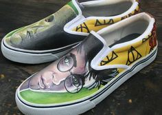 I wish I could draw like that. Harry Potter Shoes, Harry Potter Tattoos, Harry Potter Diy, Harry Potter World, Art Shoes, Shoe Art, Diy Shoe, Mischief Managed, Hobbies And Crafts