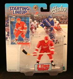 2000 Steve Yzerman NHL Starting Lineup Figure